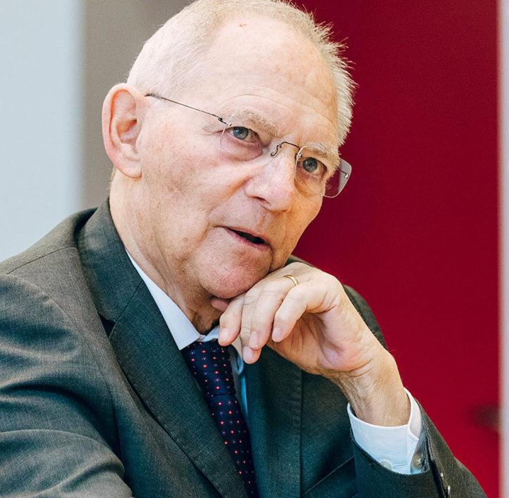 Wolfgang Schaeuble (CDU) dan mantan Menteri Pertahanan Prancis Silvie Goulard