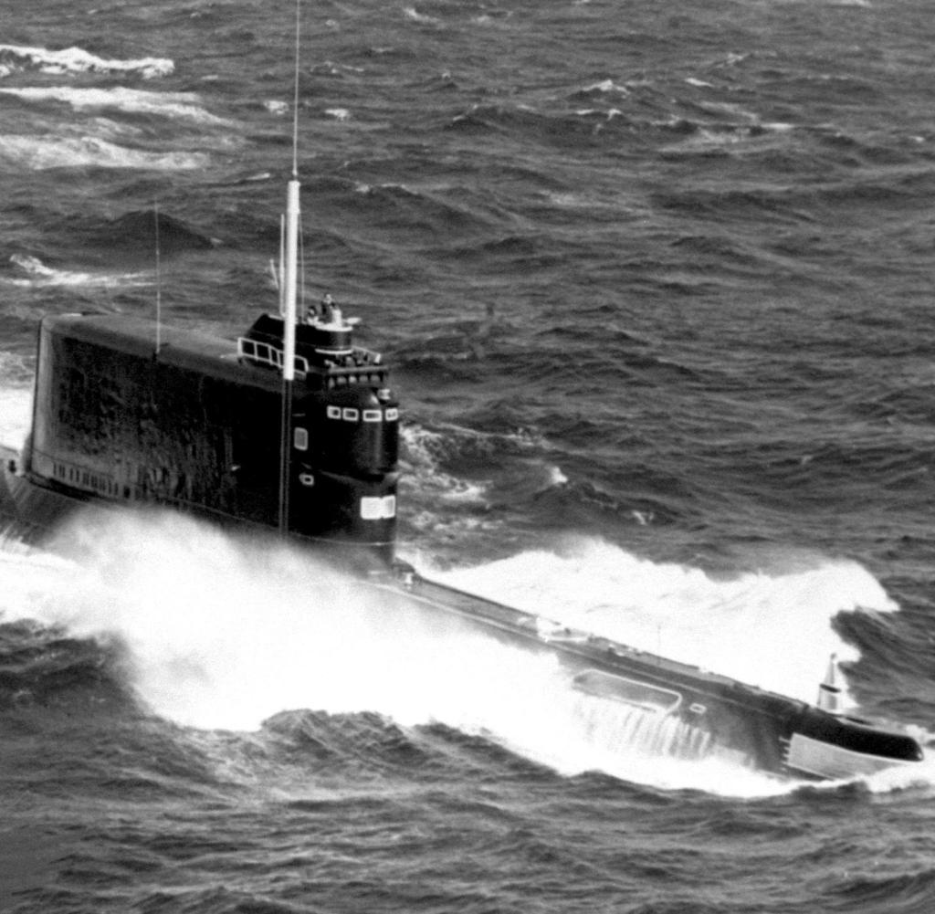 Perahu kelas golf kedua Soviet - di sini adalah foto arsip - panjangnya sekitar 100 meter dan dilengkapi dengan mesin diesel listrik