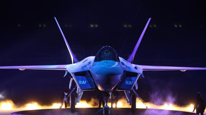 Aircraft Building - Korea Selatan memperkenalkan prototipe pesawat tempurnya - Economy