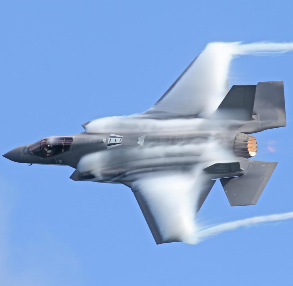 22 November 2020 di Fort Lauderdale, Florida, AS: Sebuah F-35 Lightning II disajikan selama Pertunjukan Udara Fort Lauderdale di Fort Lauderdale.  (Kredit gambar: © SMG via ZUMA Wire