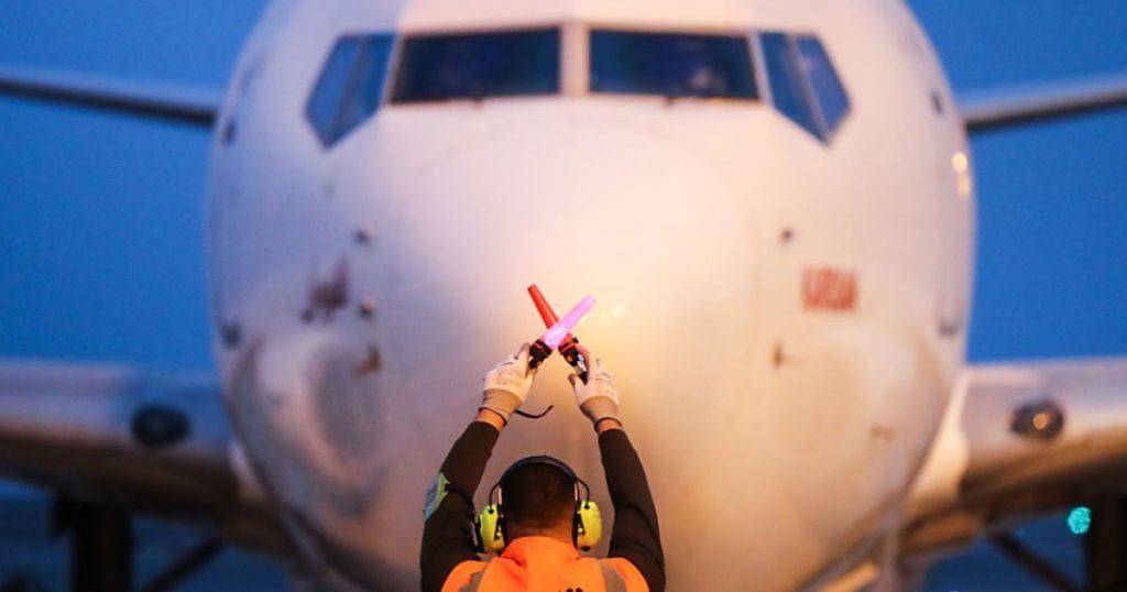 Boeing 737 lama harus diperiksa setelah terjadi kecelakaan