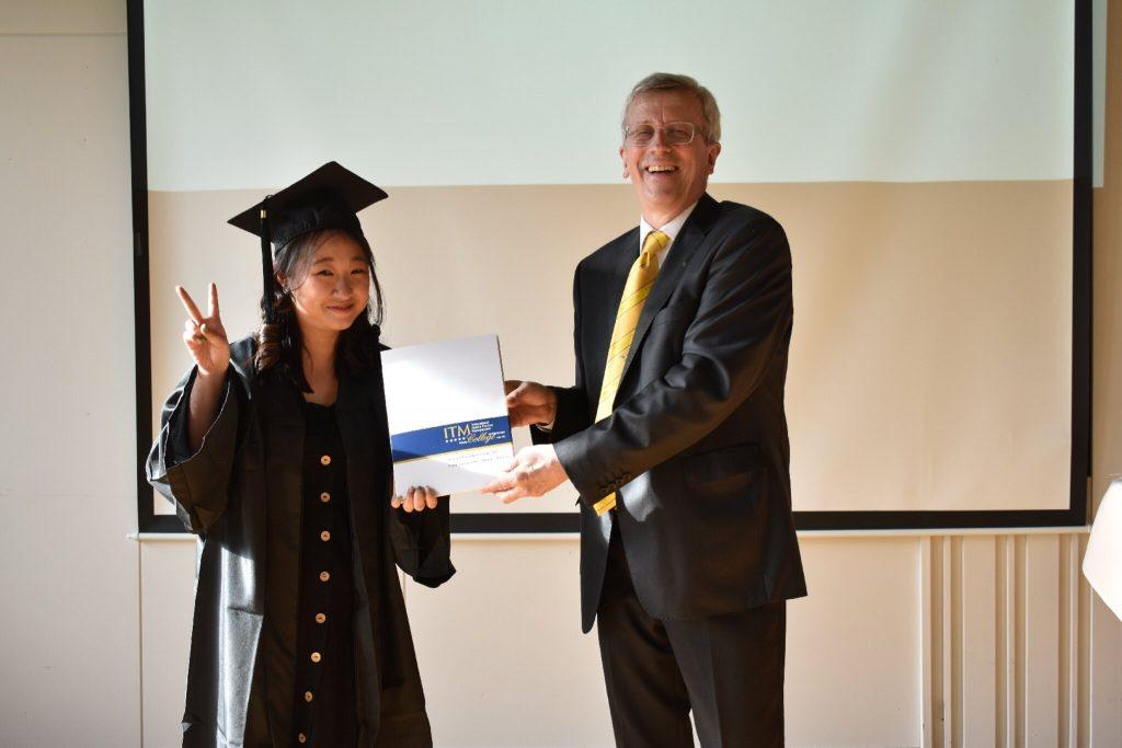 Upacara kelulusan di ITM College Bad Vöslau