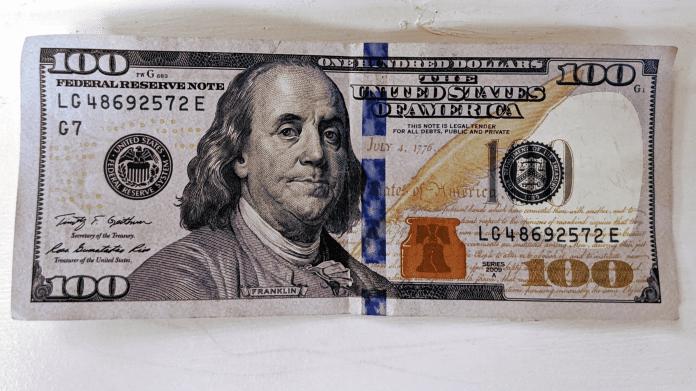 Uang kertas 100 dolar AS