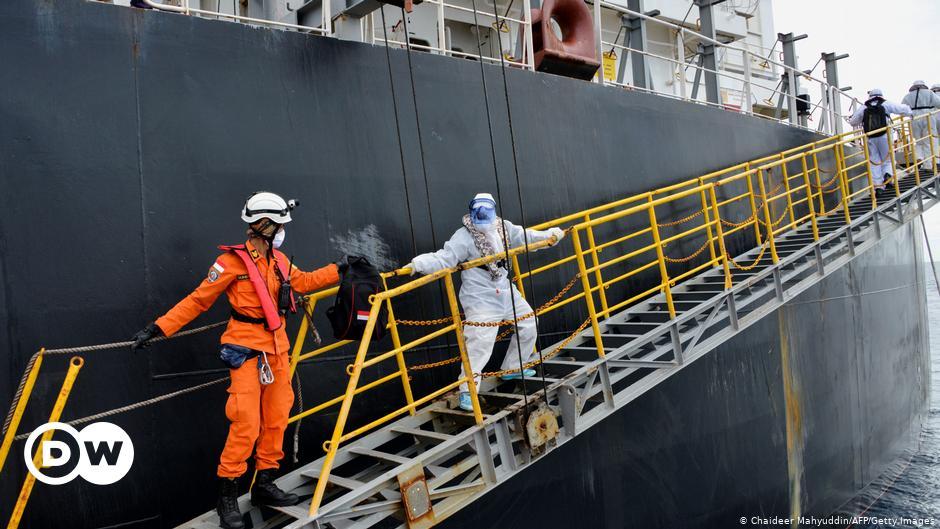 Corona: 100.000 pelaut terdampar di kapal kargo |  Ekonomi |  DW