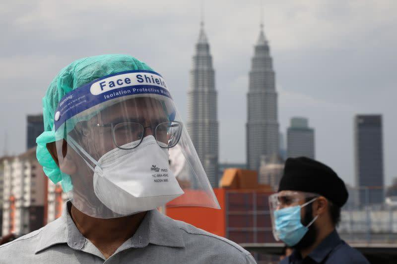 Kasus virus corona di Asia Tenggara mencapai ketinggian baru, protes dokter Malaysia