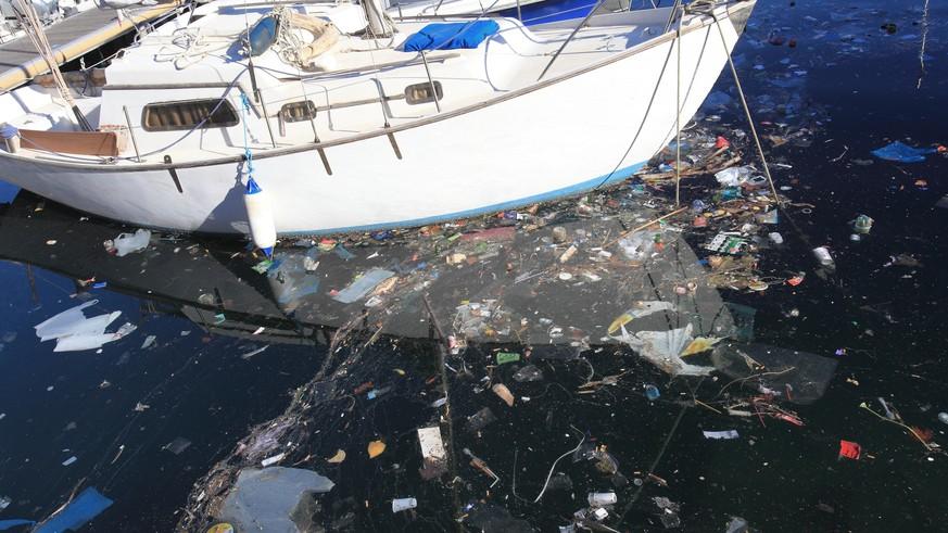 'One Earth - One Ocean' meluncurkan kapal sampah bertenaga surya