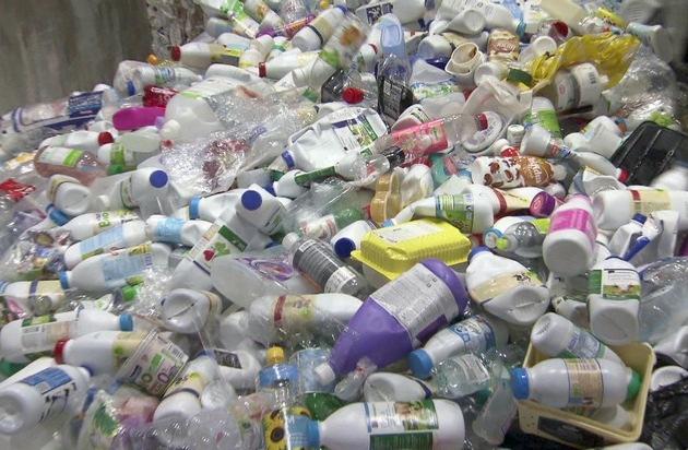 """Dimana sampah plastiknya?  3sat mempersembahkan film dokumenter Swiss """"Dirty Trade with Plastic"""""""