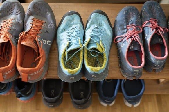Produksi sepatu dihentikan karena pembatasan Corona di Vietnam.
