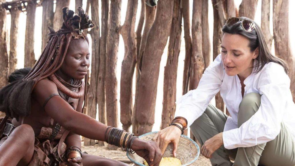 Whisper in the Sun: Pengusaha Sukses Sonia Pyuntek Menguasai Pasang surut