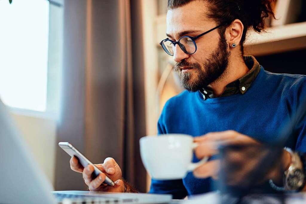 Orang-orang minum lebih banyak kopi di kantor pusat - Ekonomi